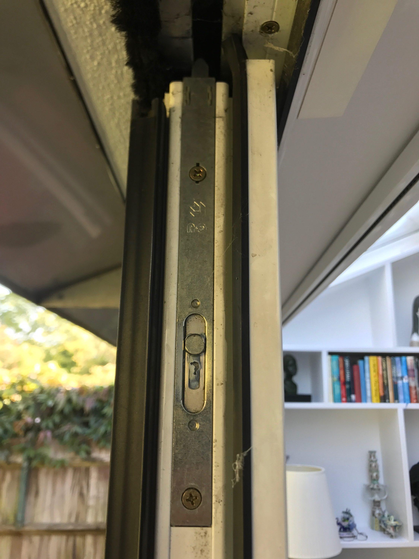 Dwlg upvc door repairs 020 8405 4614 upvc door repairman for Upvc window repairs
