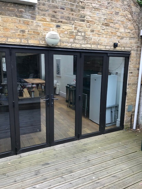BIFOLD DOOR REPAIR