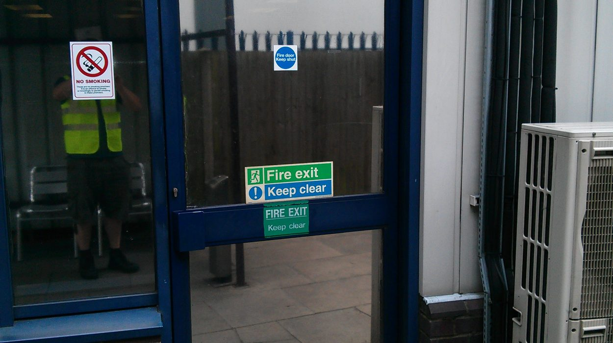 Commercial Door Repairs West Byfleet KT14 SM7